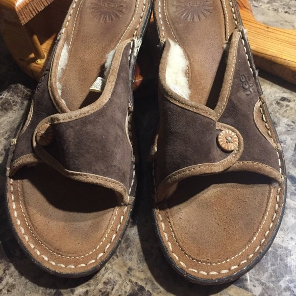5c62bcf1270 Ugg Women's Kalama Slide Sandals Size 8 Brown